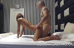 دوست دختر fucks در با یک دوست در مقابل یک سکس کردن کامل پسر.