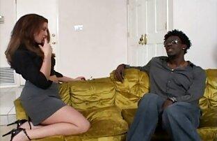 زیبایی فیلم از سکس کردن نشان می دهد, در مقابل یک تلفن تلفیقی