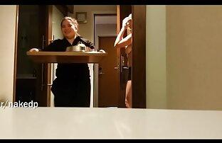 یک دانش آموز بلوند با الاغ دور ، یک فیلم سکسی کردی پلاگین و یک کیرمصنوعی جدید را در یک مقعد تنگ در نزدیکی پنجره قرار می دهد