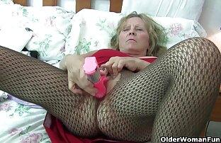 مرد از سوپر سکسی کس کردن licks و پرشهای واژن از زنان بالغ قبل از لعنتی آنها