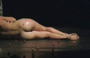 مراسم عجیب فیلم سکسی خفت کردن و غریب با ممنوع ارتباط جنسی.