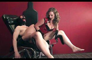 جوجه در جوراب ساق بلند پرشهای سوراخ با dildo قبل از رابطه جنسی برنامه سکسی کردن عکس مقعد