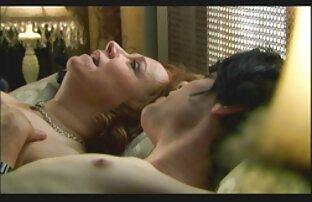 آلت تناسلی مرد کون و کوس کردن در باریک بور مهبل (واژن).