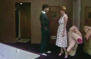 مرد Fucks در زن آسیایی فیلم سوپر کون کردن با سرطان در توالت