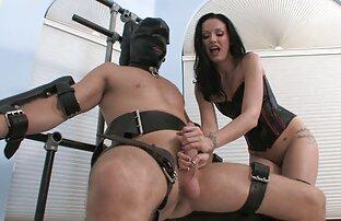 دختر نشسته, در دو را cocks لاستیکی در نگاه کردن فیلم سکسی انلاین یک بار