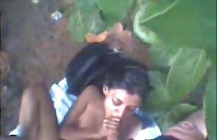 نقاب عضله دزد shoves آلت عکس کیرلای کس تناسلی مرد به دختر باریک در اتاق نشیمن