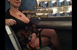 نوک پستان fucks در مقعد با dildo سیاه و بازی سکس کردن اندروید سفید در وب کم