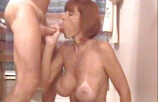 مامان با معشوق را در مقابل کانال سکس کردن یک دوربین آماتور