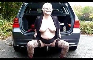 دختر نشان می دهد جوانان بزرگ و نوازش مهبل (واژن) فیلم سکسی کردن زن در مقابل دوربین