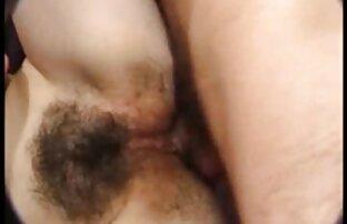 Busty بانوی تماشا کردن فیلم سکسی داغ در ترکیب شفاف با یک سوراخ می شود الاغ فاک توسط یک مرد نوجوان