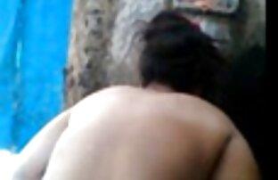 روسی, تغذیه یک مرد نوجوان و اجازه می دهد تا خودش را لمس کرد سکس کردن در خانه