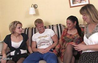 یک مرد سیاه دانلود فیلم سکسی پاره کردن پرده دختر و سفید میله های یک پیچ بزرگ در بیدمشک از یک دختر نوجوان