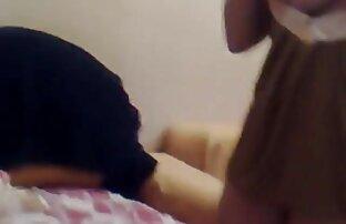 سیاه پوست, برهنه در برنامه سکسی کردن عکس مقابل یک دوربین در یک تلفیقی از صحنه